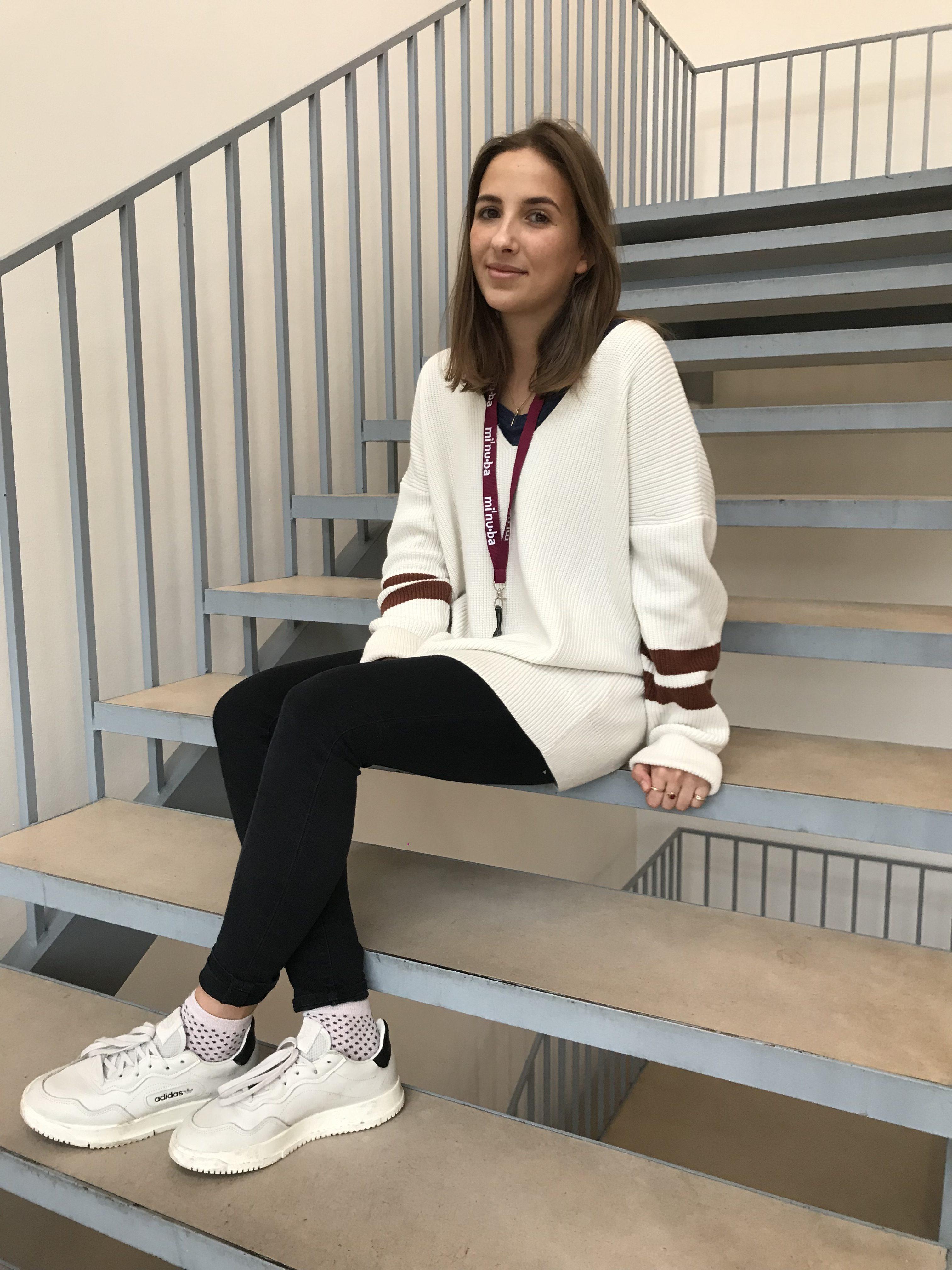 Lara studentermedhjælper